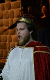 Tom Bruggenwirth as King Hildebrand